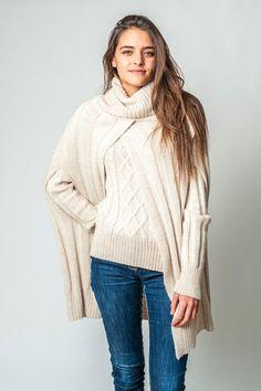 Poncho de moda mujer: Conjunto poncho y jersey Beige de Be Alpaca.
