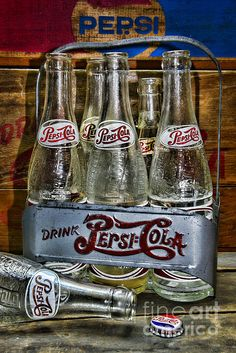 Vintage Double Dot Metal Pepsi Carrier With a Rustic Feel by Paul Ward Vintage Advertisements, Vintage Ads, Vintage Images, Vintage Posters, Matisse, Leather Rifle Sling, Double Dot, Pepsi Cola, Antique Bottles