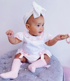 Spanish style baby top and bloomer pants knickers. Outfit details on post.  #bloomers #cutebaby #babygirlfashion #babyootd #babygirloutfits #babyfashion