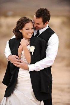 Bonjour les futur(e)s marié(e)s, Mon photographe m'a demandé de préparer un tableau pinterest des photos de couples qui me plaisent pour qu'il sache un peu vers quoi s'orienter, je vous en mets une dizaine que j'aime beaucoup et je vous lance un