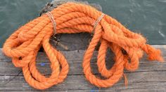 love this orange rope with navy blue
