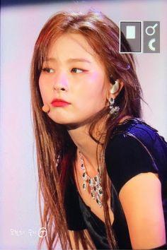 Cute Girls, Cool Girl, Boy Or Girl, K Pop, Red Velvet Cheesecake, Kang Seulgi, Red Velvet Seulgi, Kim Yerim, Peek A Boos