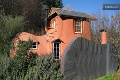 There was an old woman who lived in a shoe...aka Boot & Breakfast, Nelson, New Zealand