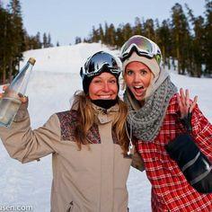 Jamie Anderson & Silje Norendal Silji took gold Jamie took sliver in 2014 x games Women's snowboarding USA and Norway! Silje Norendal, Apres Ski Outfits, Jamie Anderson, Swiss Ski, Snowboard Equipment, Snow Activities, Snowboarding Women, Sup Surf, Windsurfing