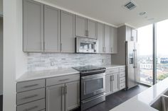 Trendy kitchen cabinets painted sherwin williams home 30 Ideas Grey Kitchen Cabinets, Painting Kitchen Cabinets, Kitchen Paint, Kitchen Redo, Kitchen Remodel, Shaker Cabinets, Kitchen Ideas, Grey Kitchens, Home Kitchens