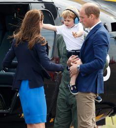 ジョージ王子、飛行機にびっくりして涙&抱っこをおねだり!