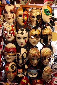 Behind the mask - Traditional mask making in Venice