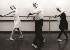 Patricia McBride, Jerome Robbins, & Suzanne Farrell with New York City Ballet Ballet Pictures, Ballet Photos, Dance Pictures, Vintage Dance, Vintage Ballet, City Ballet, Ballet Class, Famous Ballet Dancers, Ballet Dancers