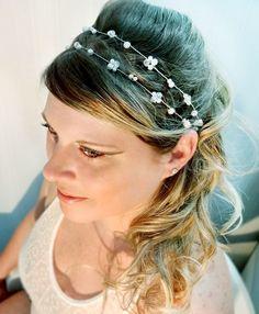 Flor para noiva com fio de pedrarias
