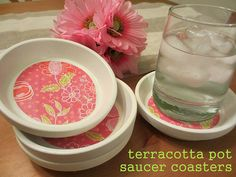 DIY terracotta coasters made from flower pot saucers! These are similar to the ceramic tile coasters we made for Christmas gifts. Clay Pot Crafts, Crafts To Make, Fun Crafts, Indoor Crafts, Tree Crafts, Holiday Crafts, Diy Projects To Try, Craft Projects, Craft Ideas