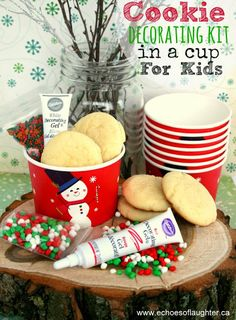Christmas Cookie Decorating Kit In A Cup for Kids- Adorable! A great Christmas party idea or Christmas acitivity for kids!