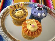 Giraffe and more! Lion Cupcakes, Cute Cupcakes, Fondant Cakes, Cupcake Cakes, Cup Cakes, Jungle Party, Cake Cover, Baby Shower, Sweet