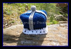 Thursday's Handmade Love Week 69 This weeks theme is...... Prince Includes links to #free #crochet patterns  Crocheted Little Prince King Crown Hat 0 to 3 months Royal Blue White and Silver via Etsy