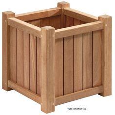 La jardinière en bois exotique carrée de 35 cm, le bac à plantes de balcon…