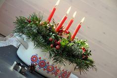 Advent im alten Kochtopf – Gesteck für die Weihnachtszeit