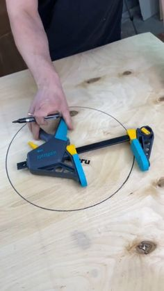 Diy Wooden Projects, Woodworking Projects Diy, Woodworking Jigs, Wooden Diy, Carpentry, Diy Shops, Homemade Tools, Wood Tools, Cool Inventions