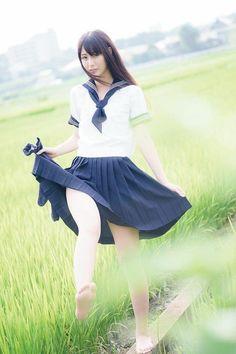 Best 4 Lady's Japanese School Uniforms Japanese Model, Hot Japanese Girls, Beautiful Japanese Girl, Beautiful Asian Girls, School Girl Japan, Japan Girl, Japan Japan, Japanese School Uniform, School Uniform Girls
