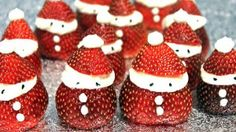 Des pères Noël en fraise - cutest thing ever !
