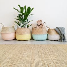 Traditional handwoven seagrass baskets. These baskets are very versatile, strong, durable and look beautiful. Great for around the house or heading to the markets. Collapsible for quick and easy storage. The baskets are handmade in Vietnam and hand-painted by us at Dutch Warehouse. Each basket may have slight variations.
