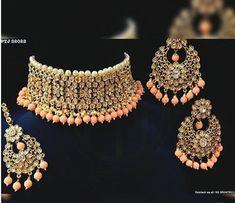Wedding jewelry Indian Jewelry Earrings, Indian Jewelry Sets, Fancy Jewellery, Jewelry Design Earrings, Indian Wedding Jewelry, Stylish Jewelry, Bridal Jewelry Sets, Fashion Jewelry, Bridal Jewellery