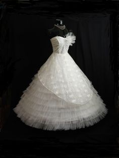 Vintage 50s 50s STRAPLESS Bombshell White Tulle Lace Party PROM Wedding DRESS Gown. $499.99, via Etsy.