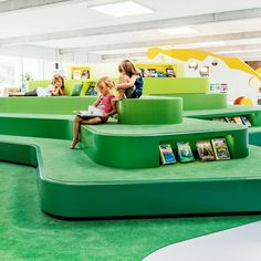 Rosan Bosch created the innovative learning environment at the Children's Library in Billund that inspires all age groups to seek knowledge from the child's perspective of imagination, inspiration and wonder. Workshop Architecture, Education Architecture, School Architecture, Library Design, Children's Library, Design Desk, Learning Spaces, Learning Environments, Clothing Store Design