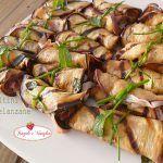 I peperoni con la mollica possono essere un ottimo contorno o uno sfizioso antipasto,facili da preparare,aromatizzati con menta fresca sono davvero ottimi!