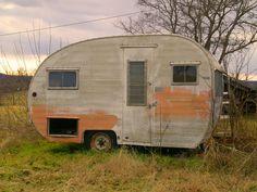https://flic.kr/p/4t6WRx | Teardrop | Sam Day Road, near Hercules, Missouri. This was behind an abandoned farm house.