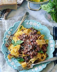 I love a thick meaty pasta sauce. And paparadelle pasta.  Yes! I made this sauce with lamb but you could swap out for beef Veal wild board or your choice! Always serve on a pretty plate or bowl!  http://ift.tt/28YJfm0  #foodstyling allyskitchen.com #foodphotography #foodiesofinstagram #foodinspiration #pasta #bolognese #prettyeating