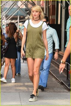 Taylor Swift Hits the Gym With Martha Hunt