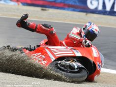 casey stoner 2008   The turning point for Stoner came with an off-track run-off. The ...