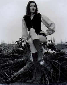 youregonnalovetomorrow: Diana Rigg. She has GOT to be uncomfortable sitting on that.
