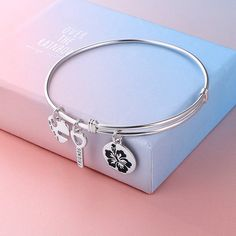 Sterling Silver Ladies Expandable Bangle Bright And Translucent In Appearance Fine Jewelry Fine Bracelets