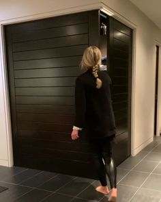Soft close👍 Of course leather pants arent mandatory to operate our sliding doors but they can help 😉 Modern Home Bar Designs, Modern House Design, Sliding Door Room Dividers, Sliding Doors, Kitchen Room Design, Home Room Design, Bar Counter Design, Small House Interior Design, Japanese Home Decor