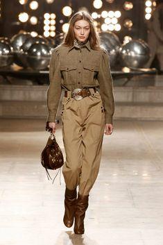 Gigi Hadid in a safari-style belted look Look Fashion, Runway Fashion, Fashion Show, Fashion Outfits, Womens Fashion, Fashion 2018, Cheap Fashion, Fashion Fashion, Isabel Marant