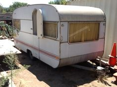 Tin Can Tourists is an all make and model vintage trailer and motor coach club. Vintage Campers Trailers, Camper Trailers, Travel Trailer Tires, Vintage Camper Redo, Tin Can Tourist, Big Bay, Stainless Sink, New Tyres, Glamping