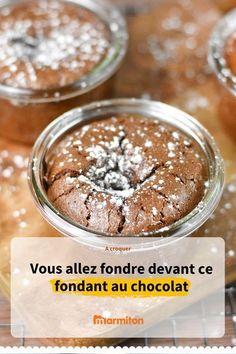Ramequins fondants au chocolat, une recette de gâteau au chocolat au coeur coulant qui va vous faire fondre #marmiton #cuisine #recette #recettemarmiton Mousse, Desserts Sucrés, Delicious Desserts, Dessert Recipes, Cupcakes, Biscuits, Mini Cakes, Tasty Dishes, Gratin