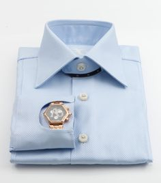 The emblematic Angelo Galasso Polso Orologio shirt is what makes a man go beyond the classic look to achieve effortless elegance. - Best Fashions for All Bespoke Shirts, Bespoke Clothing, Trendy Mens Fashion, Stylish Men, What Makes A Man, Designer Suits For Men, Well Dressed Men, Classic Looks, Menswear