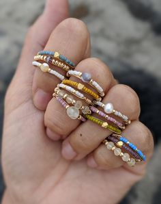 Diy Wire Jewelry Rings, Diy Beaded Rings, Handmade Wire Jewelry, Funky Jewelry, Cute Jewelry, Jewelry Crafts, Beaded Jewelry, Jewelry Accessories, Jewelry Design