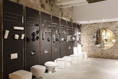 Gunni & Trentino abre un nuevo showroom en Barcelona - Interiores Minimalistas Bathroom Store, Bath Store, Bath Showroom, Kitchen Showroom, Bathroom Showrooms, Bathroom Interior, Cutting Edge Stencils, Showroom Interior Design, Showroom Ideas