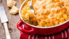 Good food doesn't have to be complicated. With just a few simple tricks you can save time, money and hassle. From getting the most out of leftover pizza to pimping your mac 'n' cheese, these handy hacks might just change how you cook and eat forever. Fried Mac And Cheese, Best Mac And Cheese, Cauliflower Mac And Cheese, Mac And Cheese Homemade, Macaroni And Cheese, Mac Cheese, Cooking Icon, Easy Cooking, Cooking Forever