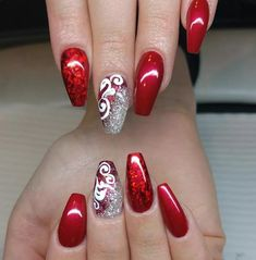 Red acrylic nails designs were very much high in demand in the past decades as of now. Red acrylic nails designs came in the fashion world very long ago and since then it has been ruling the global markets incredibly. Red And Silver Nails, Cute Red Nails, Red Gel Nails, Silver Nail Art, Silver Glitter Nails, Red Nail Art, Red Acrylic Nails, Red Glitter, Red Art