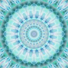 'Mandala spirituell Reinheit' von Christine Bässler bei artflakes.com als Poster oder Kunstdruck $16.63