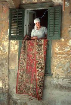 New post on eslamy Egyptian Beauty, Egyptian Women, Egyptian Art, Old Egypt, Cairo Egypt, Cara Fresca, Street Photography, Portrait Photography, Life In Egypt