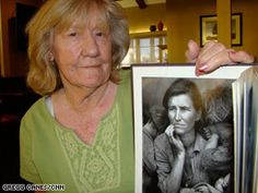 Katherine McIntosh holds the photograph taken with her mother in 1936.... What happened to the family in the famous Migrant Mother photo