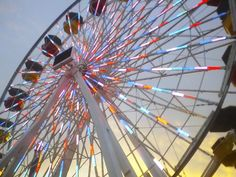 Bucket list : Ride a Ferris wheel and watch the sun set. Kiss at the top