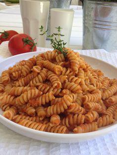 Fusilli, Tomato Sauce, Pasta Recipes, Olive Oil, Ethnic Recipes, Kids, Food, Gastronomia, Young Children