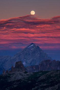 Moonscape - Antelao, Doromiti, Italia, by Ionut Burloiu