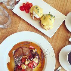 - #weekend #vibes  #brunch#onthetable #calories #barista #caffeinesoothes#cafecrawl #beaniexplores #coffeeart #edinburgh #edinburgh #eggsbenedict#pancakes#vsco #vscouk #vscocam #vscogood #eggporn#foodiehk #food52 #foodporn #foodieuk#foodiegram#ukfood#travelgram#globetrotter#spottly #instadaily#fearfood by thesproutingbeanie