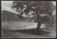 Village et plage de Deshaies Country Roads, Photos, Antique Post Cards, The Beach, Cake Smash Pictures